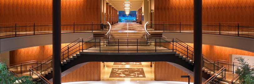 Hyatt-Regency-Bellevue-Grand-Staircase